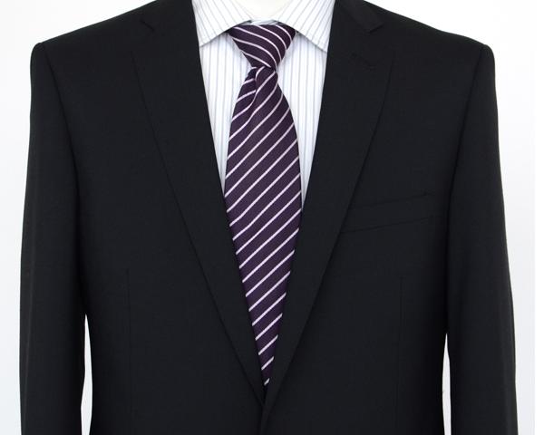 黒無地スーツ