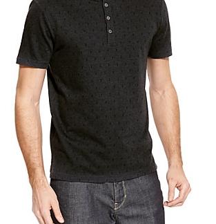 折柄の入ったポロシャツ