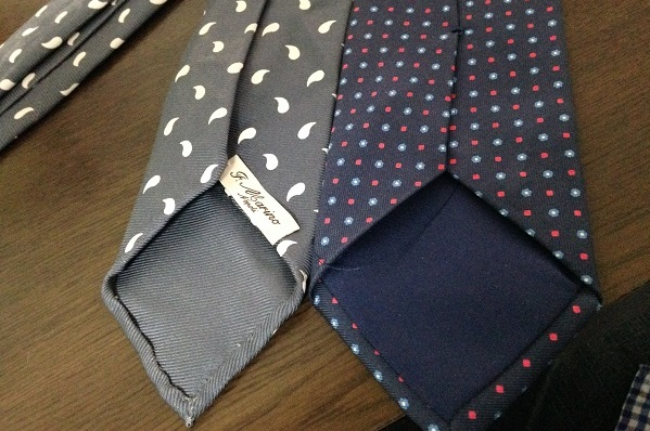 セッテピエゲのネクタイと普通のネクタイとの比較